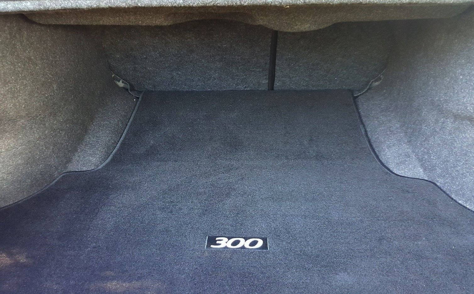 auto review  2016 chrysler 300c luxury