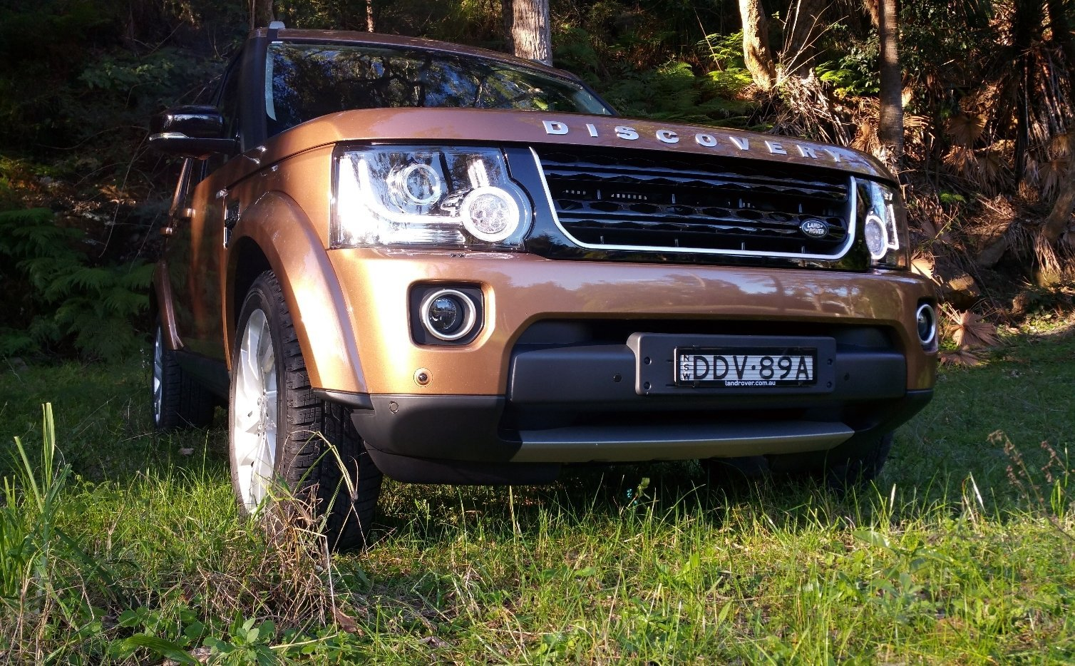 auto review 2016 land rover discovery sdv6 landmark edition. Black Bedroom Furniture Sets. Home Design Ideas
