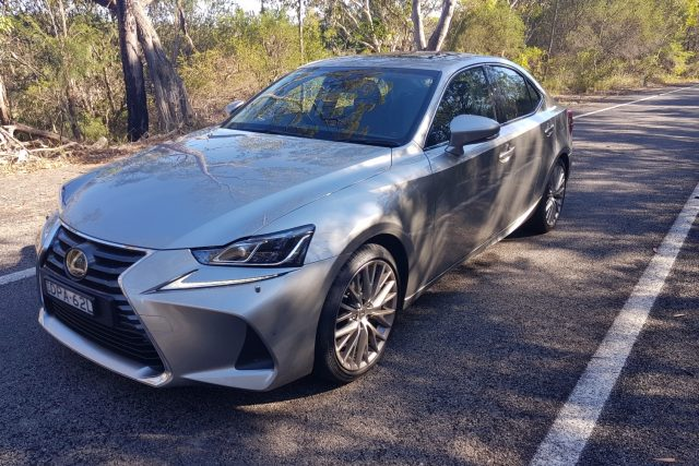 2018 Lexus IS 300 Luxury