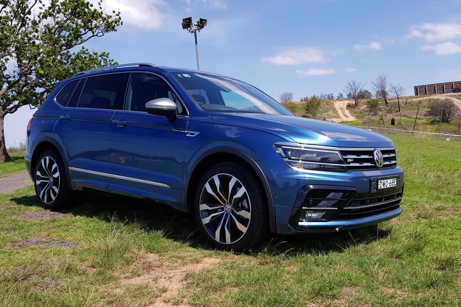 auto review 2018 volkswagen tiguan allspace 162tsi r line. Black Bedroom Furniture Sets. Home Design Ideas