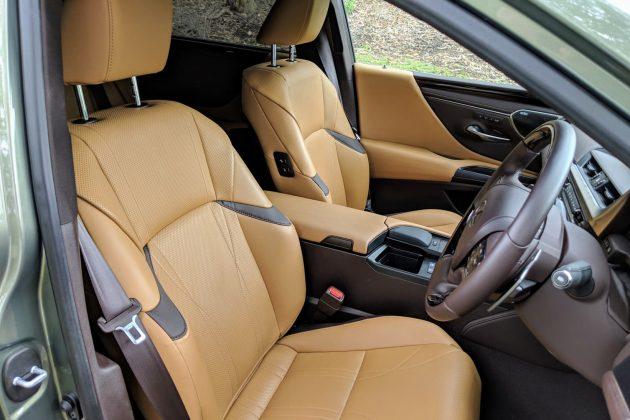 2019 Lexus ES 300h Sports Luxury