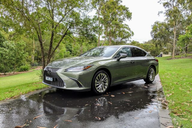 2019 Lexus ES 300h Sports Luxury
