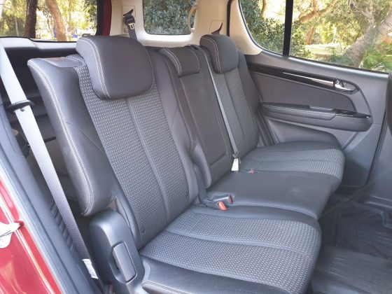 LS-U back seats