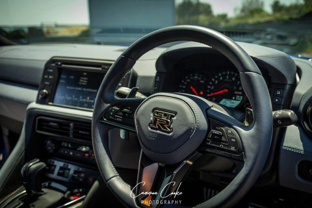 GT-R dash
