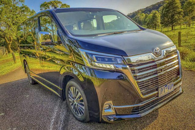 2020 Toyota Granvia VX