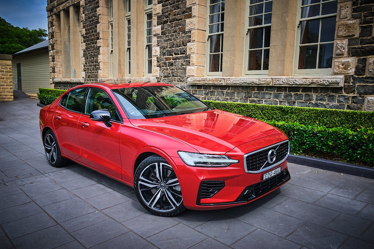 Auto Review: 2020 Volvo S60 T8 R-Design • Exhaust Notes ...