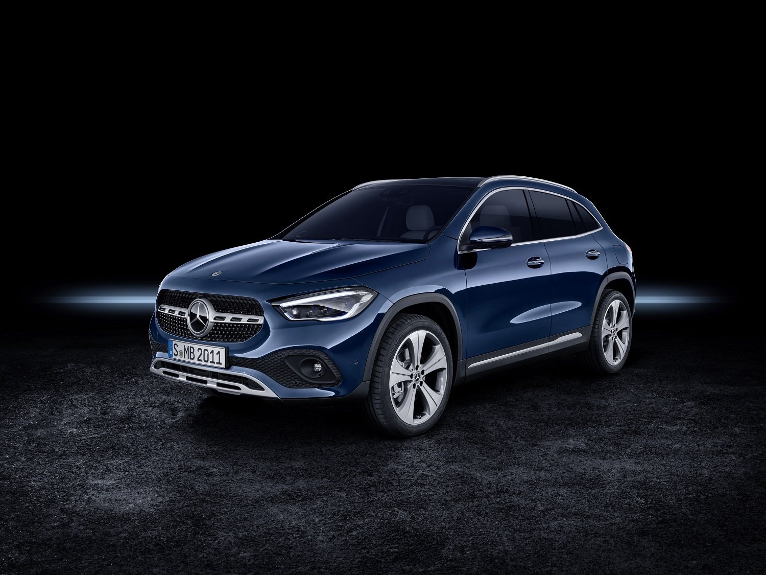 Mercedes Benz Releases Price And Specs For New Gla Suv