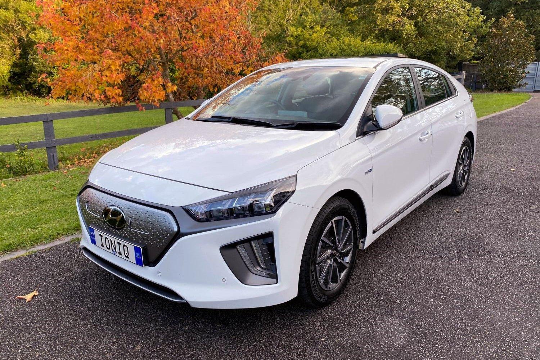 2020 hyundai ioniq electric premium (car review)