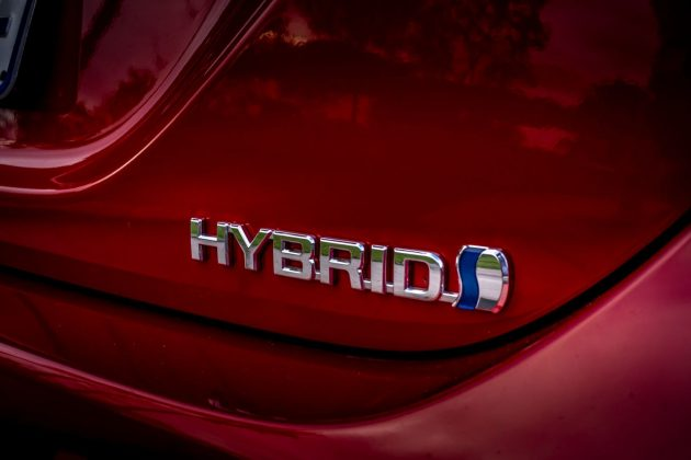 2020 Toyota Camry SL Hybrid