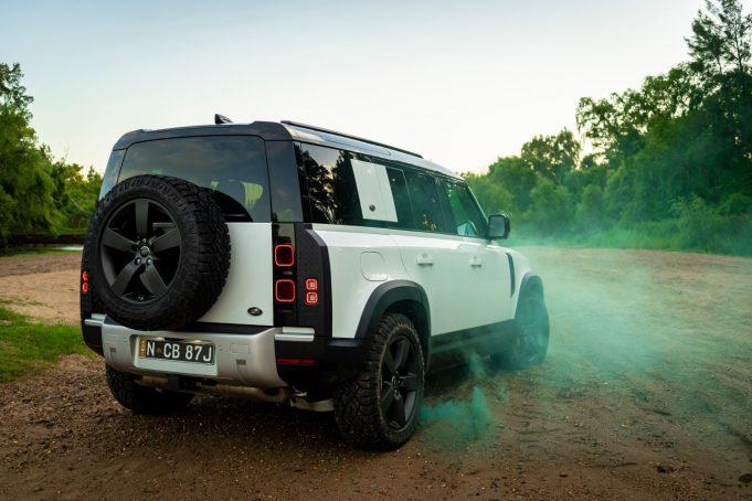 2021 Land Rover Defender 110 P400 SE (car review)